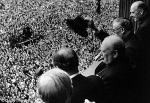 pembenci pidato yang mengalami transformasi jadi orator dunia Winston Churchill