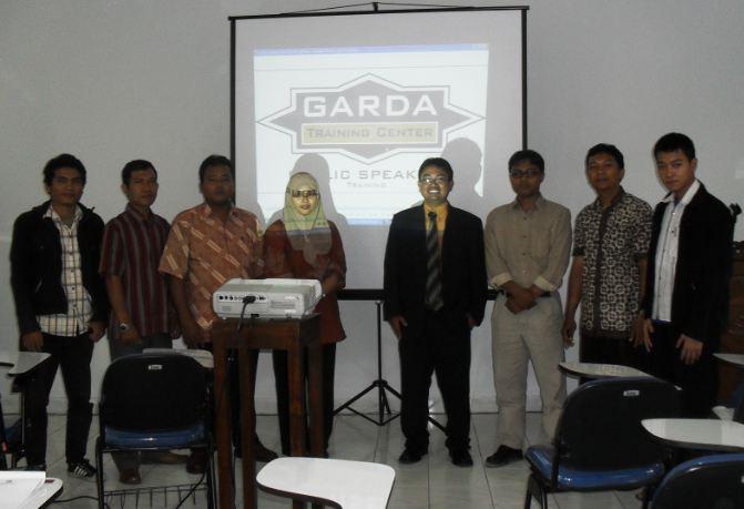 training pelatihan public speaking