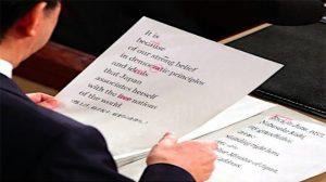 format presentasi cara berbicara di depan umum manuskrip