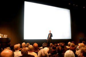 Syarat Menjadi Publik Speaker Handal Kenali Diri Sendiri