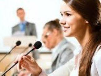 ciri-ciri pembicara yang baik berbicara di depan umum