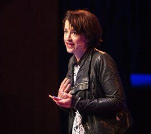 Cara mengatasi audiens yang sulit saat menyampaikan materi presentasi