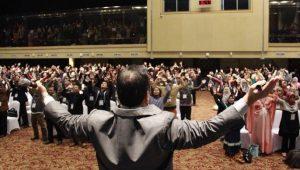 Cara mengatasi audiens yang sulit saat menyampaikan materi presentasi ala pembicara handal