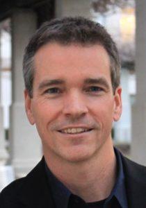Menjadi Pembicara Yang Efektif Ala Pembicara Handal Paul Smith