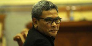 gaya bicara juru bicara yang ideal-pembicara kalem ala juru bicara presiden Johan Budi
