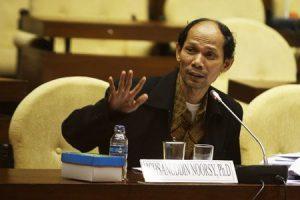 gaya bicara juru bicara yang ideal- pembicara yang antusias ichsanuddin noorsy