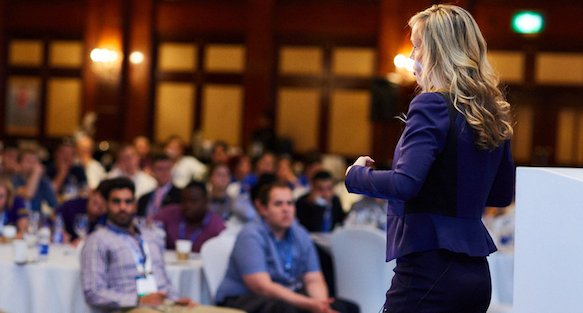 Training presentasi skill dengan cara membuat presentasi efektif