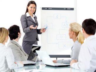 Training Presentasi Persuasif pembicara handal di depan umum