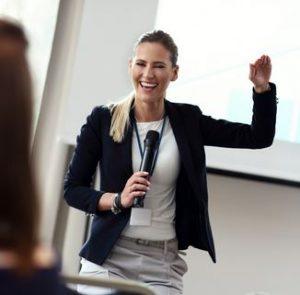 cara berpresentasi yang baik dan benar menjadi pembicara yang handal