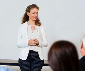 training public speaking juru bicara Jogja Indonesia 0823 2548 8899