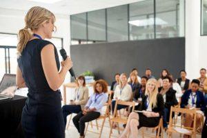 materi pelatihan public speaking menjadi pembicara yang handal