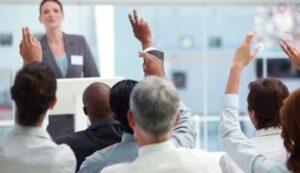 Cara Memperkenalkan diri Para Pembicara Audiens Sentris