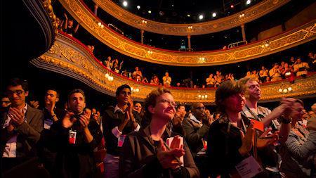 Audiensi Pendengar Saat berani Tampil berbicara di depan umum.