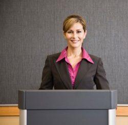 Cara menjadi pembicara yang efektif saat tampil berbicara di depan umum